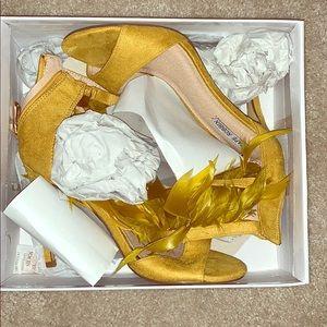 Mustard feather sandals